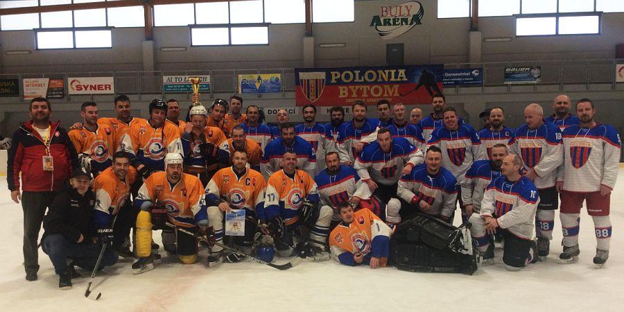 ADH Polonia Bytom wraz z finalowym rywalem - Karmas Cup 2016 w Kravare